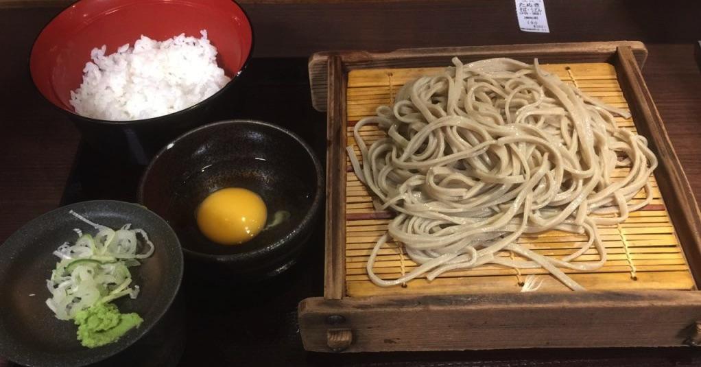 新宿にあるもりそば290円の 嵯峨谷 (さがたに)は朝定食がかなり ...